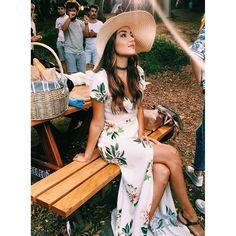 Beautiful Celebrities, Most Beautiful Women, Beautiful Actresses, Turkish Fashion, Turkish Beauty, Fashion Idol, Look Fashion, Hayat And Murat, Hande Ercel