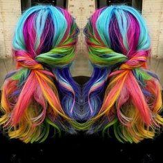 Idées Coupe cheveux Pour Femme  2017 / 2018   20 Technicolor semble prendre les cheveux arc-en-ciel au niveau supérieur