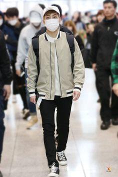 160326 EXO Xiumin | Incheon Airport to Shanghai
