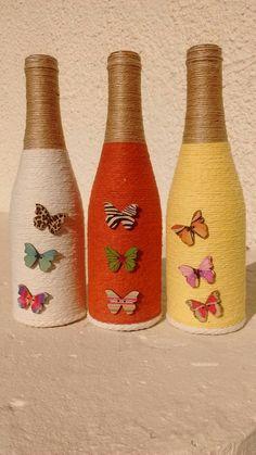 Wine Bottle Crafts – Make the Best Use of Your Wine Bottles – Drinks Paradise Glass Bottle Crafts, Wine Bottle Art, Diy Bottle, Decorative Glass Bottles, Glass Jars, Jar Crafts, Diy And Crafts, Wine Craft, Altered Bottles
