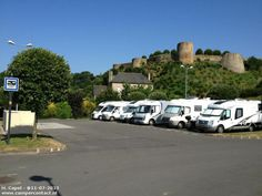 Camperplaats Dinan - Parking Club de Tennis - Frankrijk