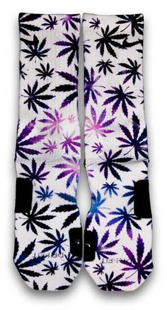 AVAILABLE IN CES CUSTOM SOCKS - IN STOCK How high? Featuring a full set of weed leaf pattern infused with galaxy base print. This pair of custom elite socks comes in white base color. Custom Elite Socks, Nike Elite Socks, Nike Socks, Nike Elites, Crazy Socks, Cool Socks, Derrick Rose, Huf Socks, Weed Socks