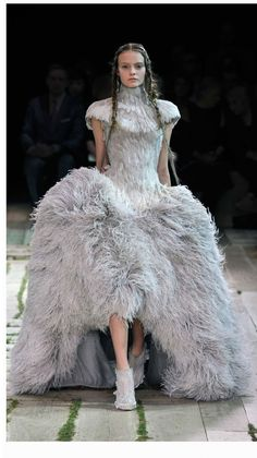 Alexander McQueen | 2011 SS Womenswear Fashion Show | Womens Spring Summer Collection