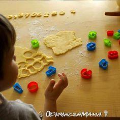 Czy wiedzieliście, że podczas jedzenia słodyczy dzieci mogą poznać podstawy matematyki? Foremki znajdziecie tutaj: http://www.kuchnianawidelcu.pl/product-pol-869-Foremki-do-ciastek-w-postaci-cyfr-i-znakow-matematycznych-komplet-21-szt-.html