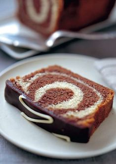 Mary Berry's Chocolate & Vanilla Marble Loaf Yummy Treats, Sweet Treats, Pan Sin Gluten, Marble Cake Recipes, Cold Cake, Cake Mixture, Clean Eating Snacks, Cake Pop, Yummy Cakes