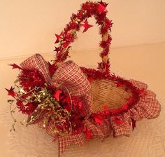 Christmas Ready-To-Fill gift basket, Red/lt. Green ribbon with star accents