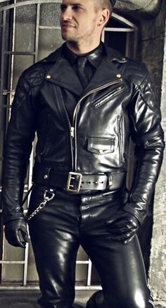 Perfect fitting leather jackets at factory price. Mens Leather Pants, Tight Leather Pants, Biker Leather, Black Leather, Leather Jacket Styles, Motorcycle Leather, Leather Gloves, Leder Outfits, Men In Uniform