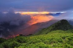 the rays of fire by Thunderbolt_TW, via Flickr