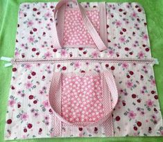 Essa bolsa pode ser usada no dia a dia, mas a princípio foi feita para usar par. Source by sandrablasius 5 Easy and Fun Crafts to Share With Your Kids Zipper bag with straps Sewing Hacks, Sewing Tutorials, Sewing Projects, Beginners Sewing, Bag Tutorials, Patchwork Bags, Quilted Bag, Bag Patterns To Sew, Sewing Patterns