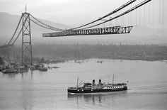 Photos of the construction of the Lions Gate Bridge connecting Stanley Park (Vancouver) with the North Shore (West Vancouver) Vancouver Bc Canada, Vancouver City, Vancouver Island, World History Projects, West Coast Canada, Bridge Construction, Lions Gate, Canadian History, Great Pic