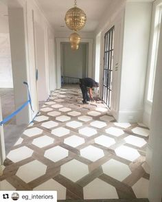 Hexagon insert floor design with tile Flooring, House Design, New Homes, House Styles, Remodel, Home Remodeling, Home, Home Decor, Floor Design