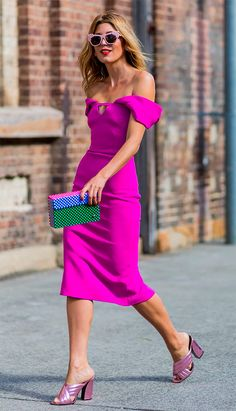 Street style look com vestido pink.