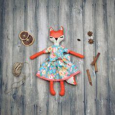 Hoi! Ik heb een geweldige listing op Etsy gevonden: https://www.etsy.com/nl/listing/267580554/vilt-fox-pop-fox-kunst-doll-in-turqiuose