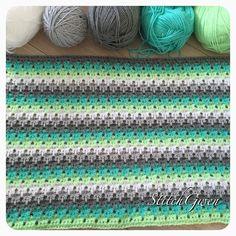A little progress shot of my Larksfoot baby blanket. Tomorrow the Stylecraft…