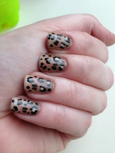 Leopard print with gradient - Nail Art