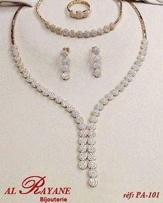 Parure or 18k White Necklace, Pearl Necklace, Pendant Necklace, Diamond Necklaces, Gold Necklaces, Glitter Makeup, Gold Glitter, Fancy Jewellery, Round Cut Diamond
