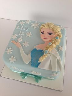 2D Elsa Frozen cake - Cake by The Rosebud Cake Company - CakesDecor