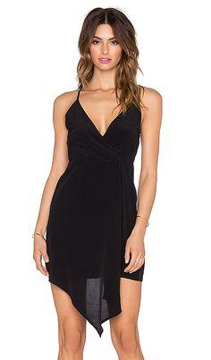 海外セレクトショップ REVOLVE, MLM Label LOOP BACK ドレス in ブラック at REVOLVE. 2-3営業日の無料配送と返品、30日のプライスマッチ保証(最低価格保証)