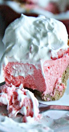 Fresh Strawberry Jello Pie with Graham Cracker Crust