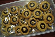 perníčky so slivkovým lekvárom Mini Cupcakes, Cookies, Desserts, Food, Jamaica, Crack Crackers, Tailgate Desserts, Deserts, Biscuits