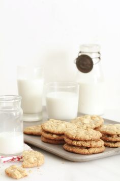 white chocolate chip macadamia nut cookies... why have i never made these?