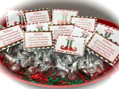 Baby it's cold outside Elf Kisses Treat Bags, Elf Kisses Stocking Stuffers, Elf Kisses Christmas Party Favor, Christmas Tre Student Christmas Gifts, Christmas Treat Bags, Easy Christmas Treats, Christmas Gifts For Coworkers, Christmas Party Favors, Cheap Christmas, Homemade Christmas Gifts, Simple Christmas, Christmas Stocking