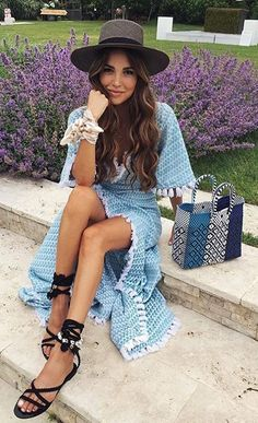 Brunch attire today in the Hamptons wearing a total look. Spring Dresses, Spring Outfits, Weekend Dresses, Ethno Style, Hippie Style, Negin Mirsalehi, Dress Stand, Brunch Outfit, Summer Chic