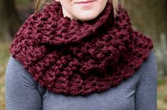 Hand Knit Outlander Inspired Claire's Mobius Cowl in Merlot, Chunky Knit, Infinity Scarf, Neck Warmer
