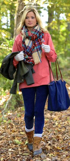 Oh my goodness! I love this outfit! I so want a pair of Sperry boots!