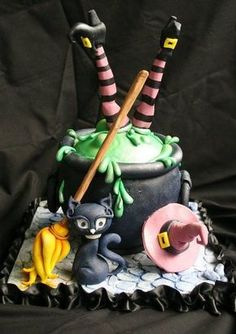 Witch Cake – For all your Halloween cake decorating supplies, please visit www.c… Witch Cake – Pour tous vos accessoires … Halloween Desserts, Bolo Halloween, Halloween Torte, Theme Halloween, Halloween Cookies, Halloween Birthday, Halloween Treats, Spooky Halloween, Cute Halloween Cakes