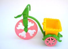 Strawberry Shortcake Berry Cycle: Vintage 80s Toy