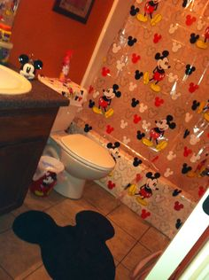 Here is what my Mickey Mouse bathroom set should look like once put together!