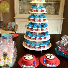 Thing 1 & Thing 2 Party - cupcakes instead of big cake and 2 small cakes