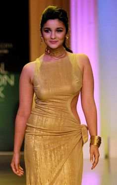 #AzvaAtIBFW: Showstopper Alia Bhat wearing #Azva jewellery! #BeautifulBrides