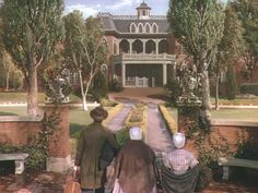 After the war, Scarlett marries Rhett and they build themselves the biggest, glitziest mansion possible in Atlanta (another matte painting, I believe):