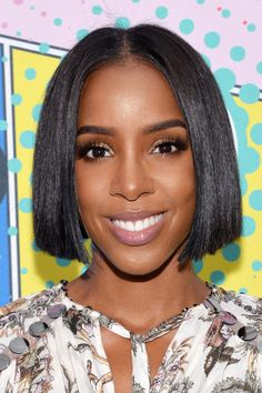 KELLY ROWLAND The Style: The Perfect Part Get the Look: Let your cut do the talking with this deceptively low-key look. To ensure your part stays put, trace it while your hair is towel dried, then blow dry it in place.
