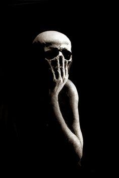 Disturbing and Provocative Art : Photo
