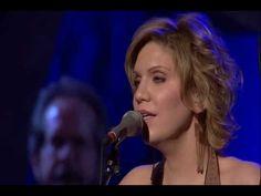 Alison Krauss sings Carolina in My Mind with Jerry Douglas on Dobro.