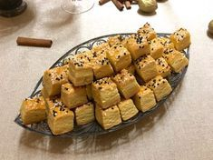 sós, omlós teasütemény, ízlés szerint magvakkal, sajttal, köménnyel szórható, recept fázisfotókkal, Kocsis Hajnalka receptje