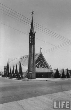 Félix Candela: Iglesia de la Medalla Milagrosa, Narvarte, México D.F., 1955