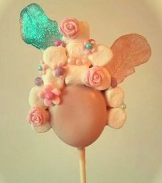 Marie Antoinette Cake Pop