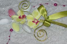 Dragée mariage : Ballotin fleur orchidée  http://www.drageeparadise.fr/ballotins-dragees_22_ballotin-dragee-mariage_ballotin-dragee-fleur-orchidee__a325_1.html