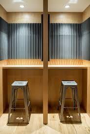 booth aberta com placas de absorção de som