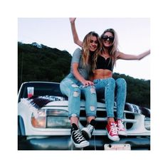 Why my long distance friendlationship was the best thing to happen to... ❤ liked on Polyvore featuring best friends
