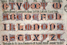 Lettres filigranées Medieval Books, Medieval Life, Medieval Manuscript, Medieval Art, Lettering Styles, Hand Lettering, Decorative Lettering, Beautiful Calligraphy, Beautiful Fonts