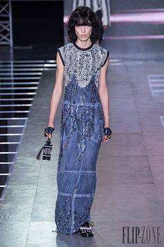 Louis Vuitton Spring-summer 2016 - Ready-to-Wear Louis Vuitton, Paris Fashion Week 2015, Spring Summer 2016, Ready To Wear, Fashion Show, Women Wear, High Neck Dress, Formal, How To Wear