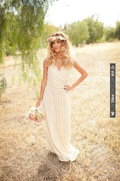 wedding wreath | CHECK OUT MORE IDEAS AT WEDDINGPINS.NET | #weddingfashion
