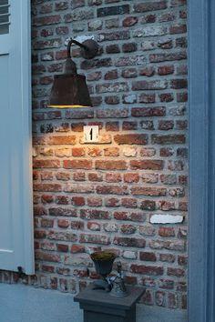 Mooie lamp en muur + voeg