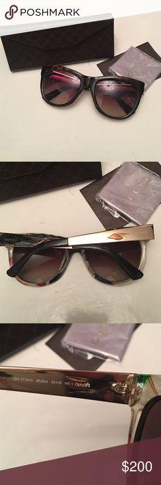 Authentic Gucci sunglasses Authentic Gucci sunglasses.like new worn like 3 times Gucci Accessories Sunglasses