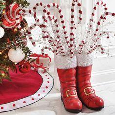 Top 40 Decoration Ideas With Santa Boots Christmas Celebrations Alternative Christmas Tree, Mini Christmas Tree, Outdoor Christmas, Christmas Candy, All Things Christmas, Christmas Holidays, Christmas Crafts, Christmas Ideas, Merry Christmas
